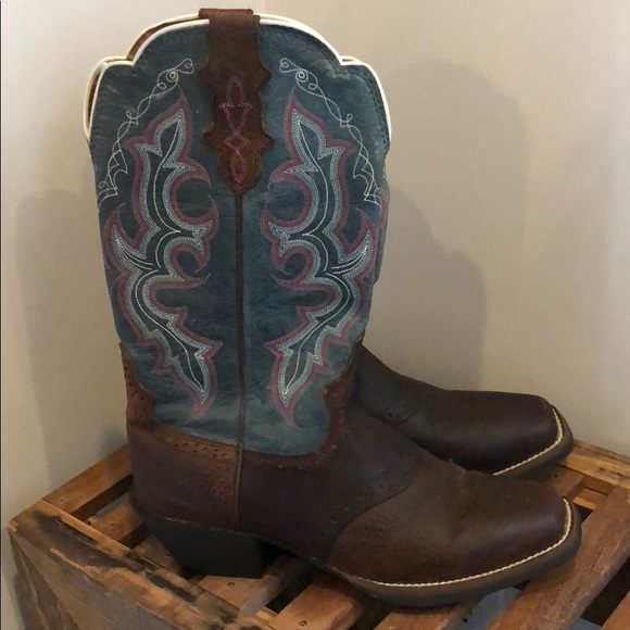 0c0b1288eca Justin Women's Stampede Punchy Cowgirl Boot